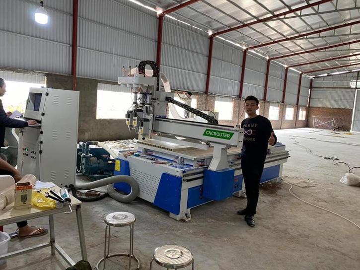 Máy CNC Trung Tâm CNC ROUTER 1325